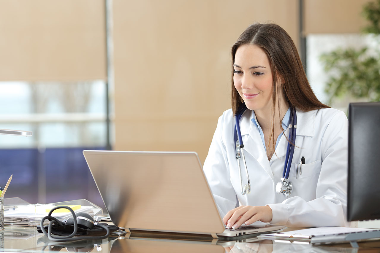 medical-professional-at-laptop